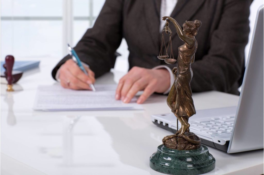 перерегистрация юридических фирм